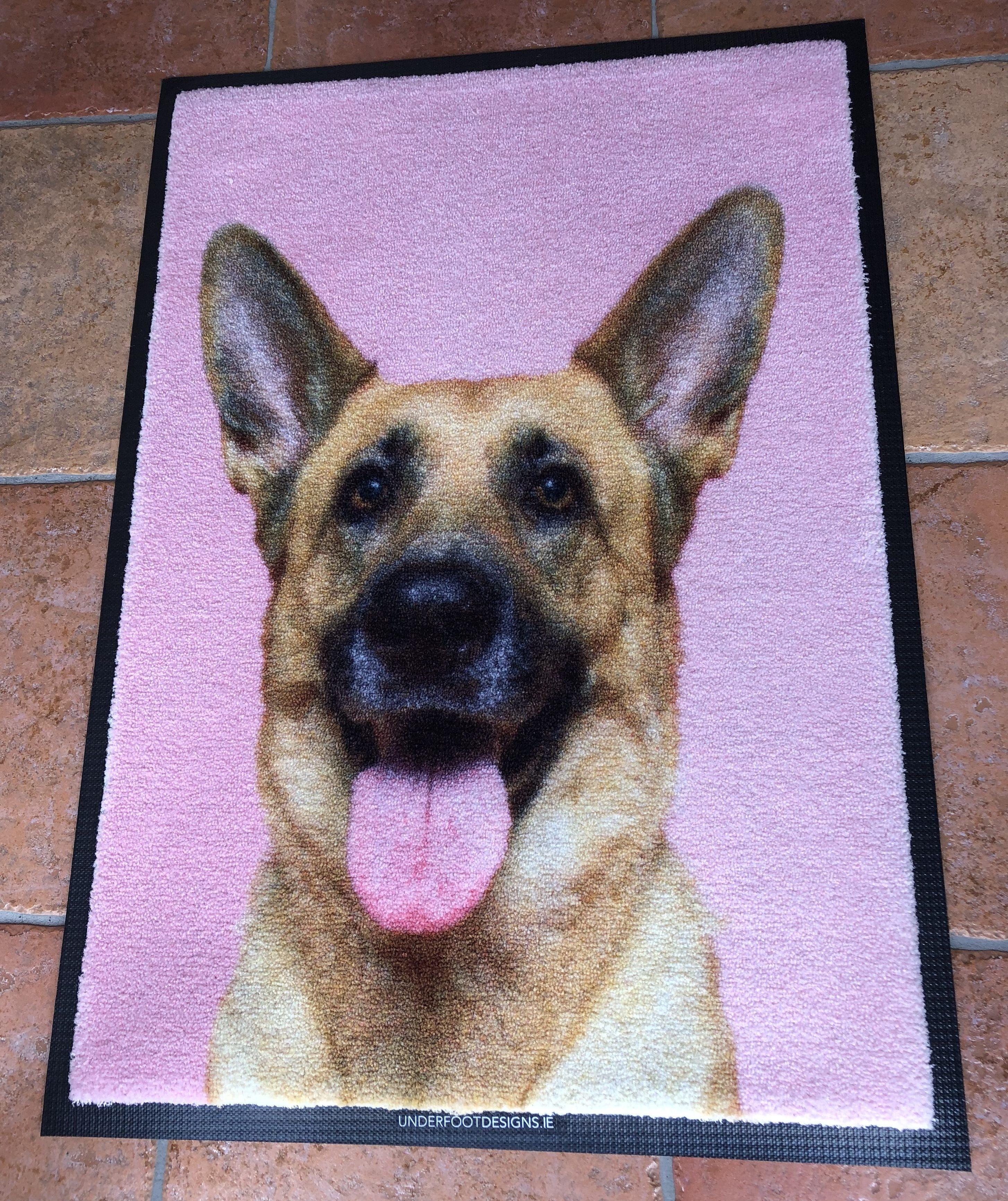 Give a unique floor mat using your favourite pets photograph
